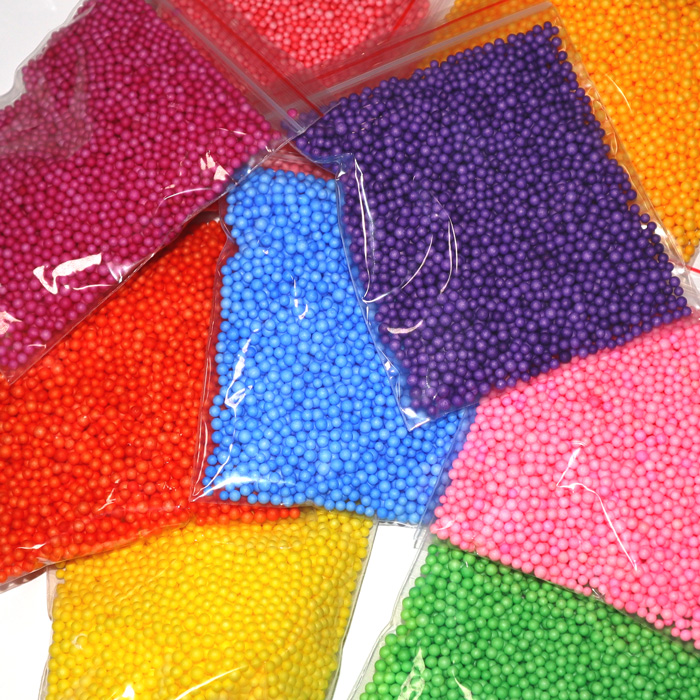 Single colour foam beads